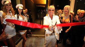 FKK- und Saunaclub Oceans in Düsseldorf eröffnet! 2.500 Besucher stürmten Bert Wollersheim neuste Wohlfühloase  | Mit Video!