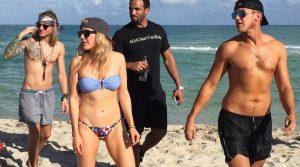 Ellie Goulding (28) und Dougie Poynter (27): Paparazzi Auflauf wegen britischem Promi Pärchen am Strand von South Beach Miami