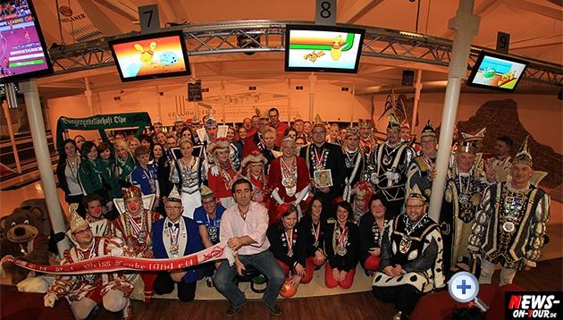 tollitaeen-bowlen-premiere_ntoi_bowling-center-oberberg_02