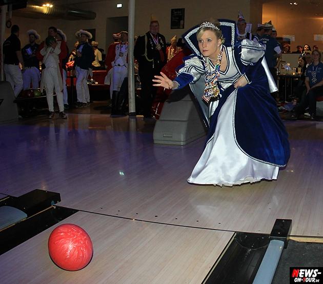 tollitaeen-bowlen-premiere_ntoi_bowling-center-oberberg_03