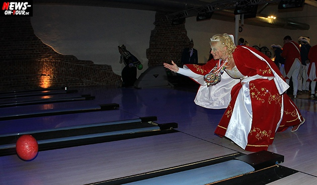 tollitaeen-bowlen-premiere_ntoi_bowling-center-oberberg_07