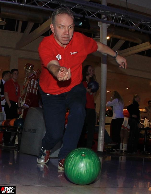 tollitaeen-bowlen-premiere_ntoi_bowling-center-oberberg_09
