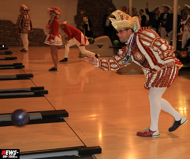 tollitaeen-bowlen-premiere_ntoi_bowling-center-oberberg_17