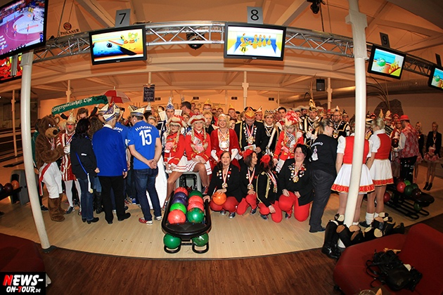 tollitaeen-bowlen-premiere_ntoi_bowling-center-oberberg_21