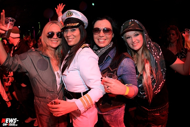 halle32_ue30-party_ntoi_karneval-im-gummersbach_2015_fastelove_09.jpg
