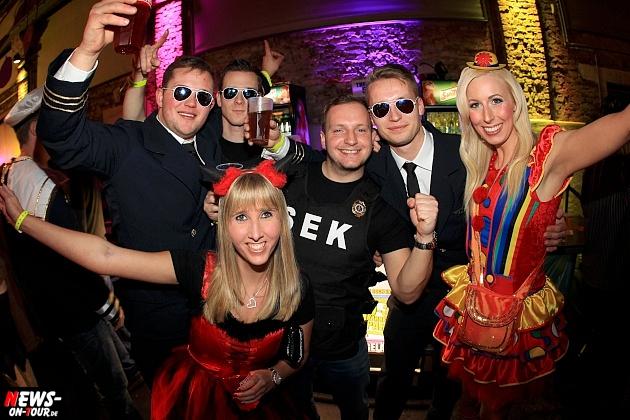 halle32_ue30-party_ntoi_karneval-im-gummersbach_2015_fastelove_10.jpg