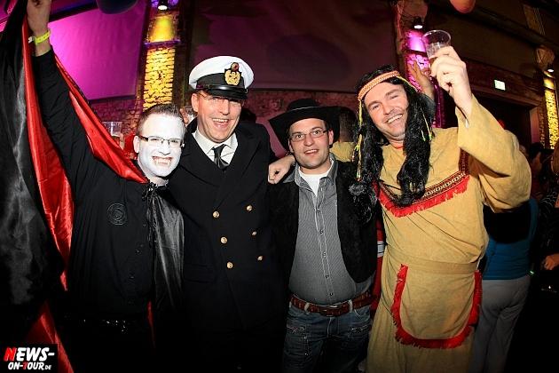 halle32_ue30-party_ntoi_karneval-im-gummersbach_2015_fastelove_13.jpg