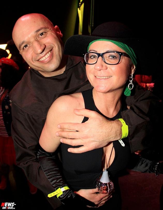 halle32_ue30-party_ntoi_karneval-im-gummersbach_2015_fastelove_14.jpg