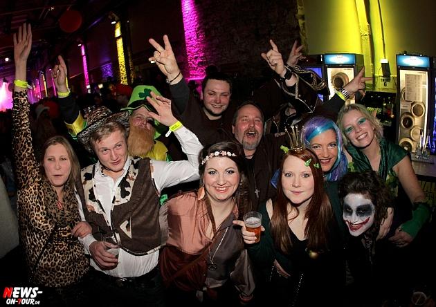 halle32_ue30-party_ntoi_karneval-im-gummersbach_2015_fastelove_17.jpg