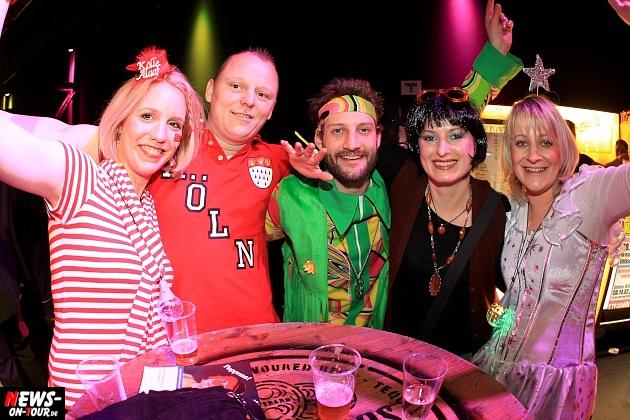 halle32_ue30-party_ntoi_karneval-im-gummersbach_2015_fastelove_29.jpg
