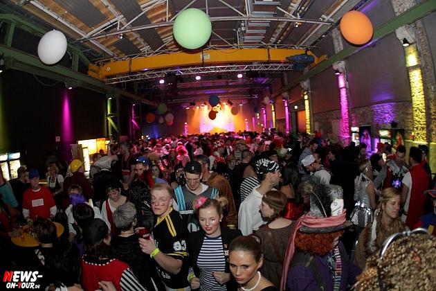 halle32_ue30-party_ntoi_karneval-im-gummersbach_2015_fastelove_32.jpg