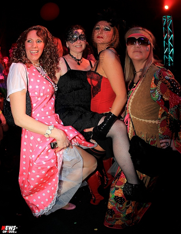 halle32_ue30-party_ntoi_karneval-im-gummersbach_2015_fastelove_35.jpg