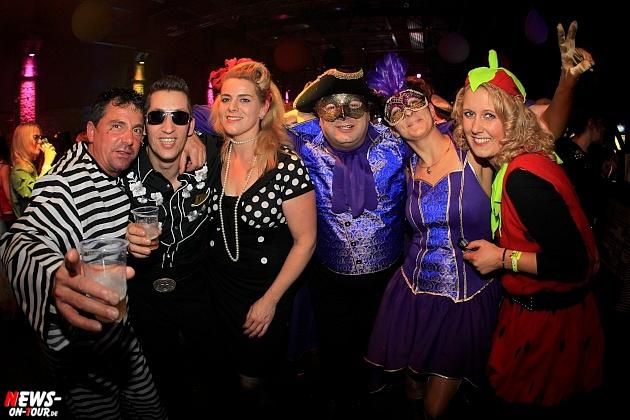 halle32_ue30-party_ntoi_karneval-im-gummersbach_2015_fastelove_36.jpg