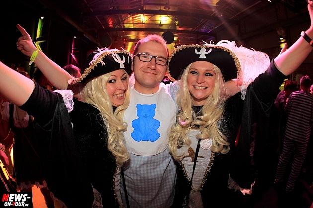 halle32_ue30-party_ntoi_karneval-im-gummersbach_2015_fastelove_44.jpg