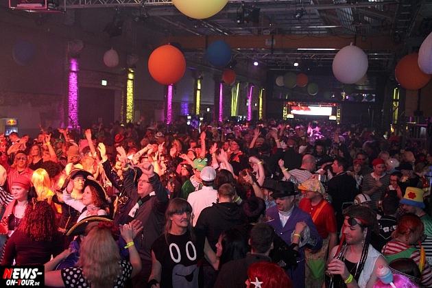 halle32_ue30-party_ntoi_karneval-im-gummersbach_2015_fastelove_64.jpg