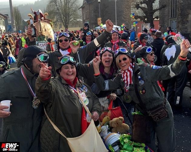 rosenmontagszug-engelskirchen-2015_ntoi_fastelove_karneval_07.jpg