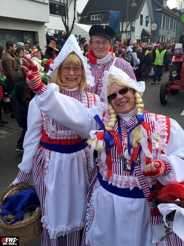 rosenmontagszug-engelskirchen-2015_ntoi_fastelove_karneval_15.jpg