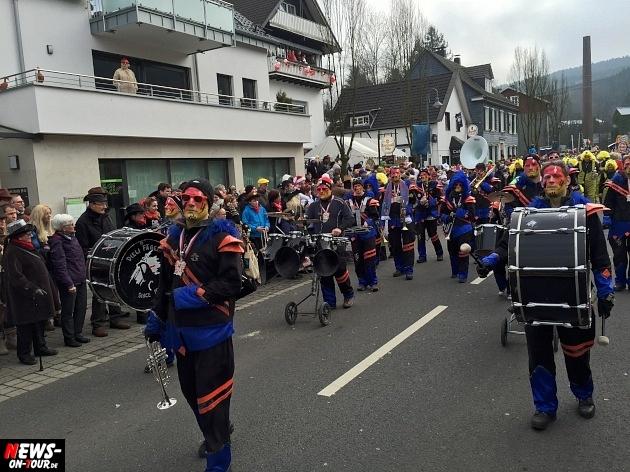 rosenmontagszug-engelskirchen-2015_ntoi_fastelove_karneval_17.jpg