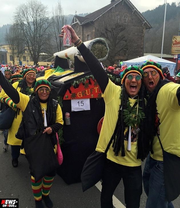 rosenmontagszug-engelskirchen-2015_ntoi_fastelove_karneval_26.jpg