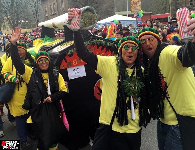 rosenmontagszug-engelskirchen-2015_ntoi_fastelove_karneval_27.jpg