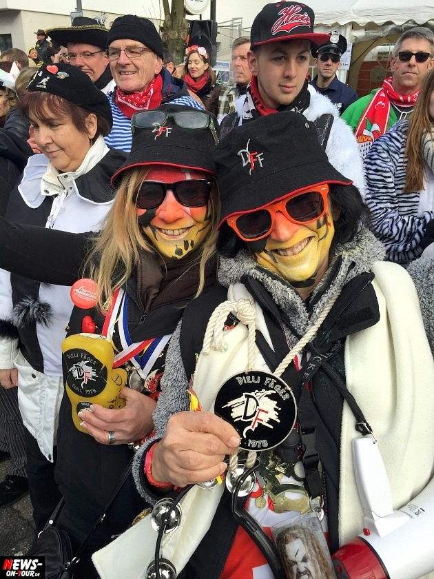 rosenmontagszug-engelskirchen-2015_ntoi_fastelove_karneval_30.jpg