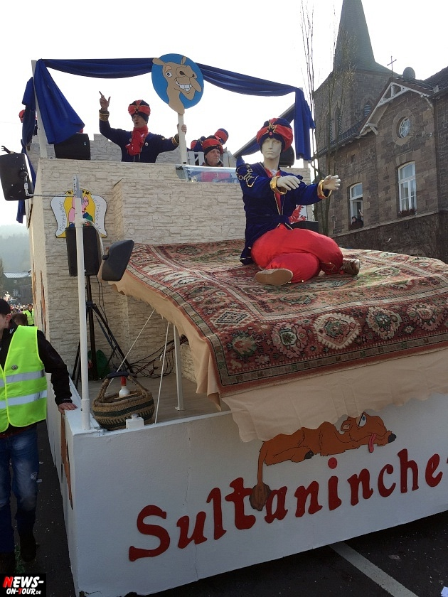 rosenmontagszug-engelskirchen-2015_ntoi_fastelove_karneval_66.jpg