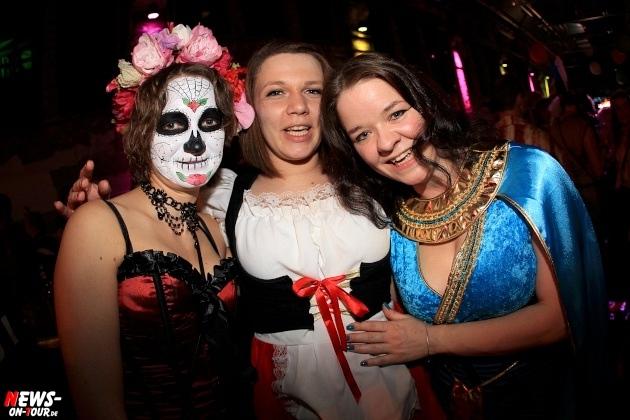 weiberfastnacht_2015_ntoi_halle32_09_karneval_oberberg
