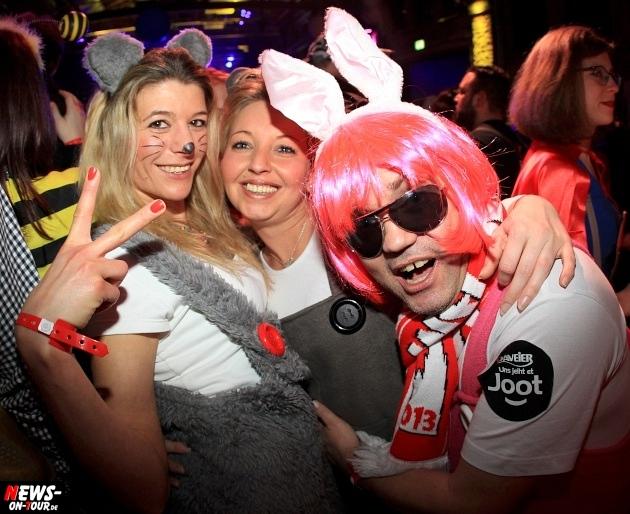 weiberfastnacht_2015_ntoi_halle32_10_karneval_oberberg