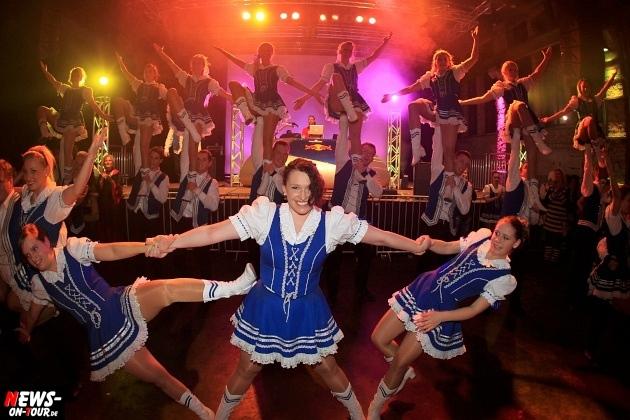 weiberfastnacht_2015_ntoi_halle32_21_karneval_oberberg