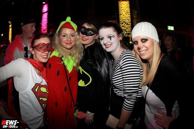 weiberfastnacht_2015_ntoi_halle32_29_karneval_oberberg