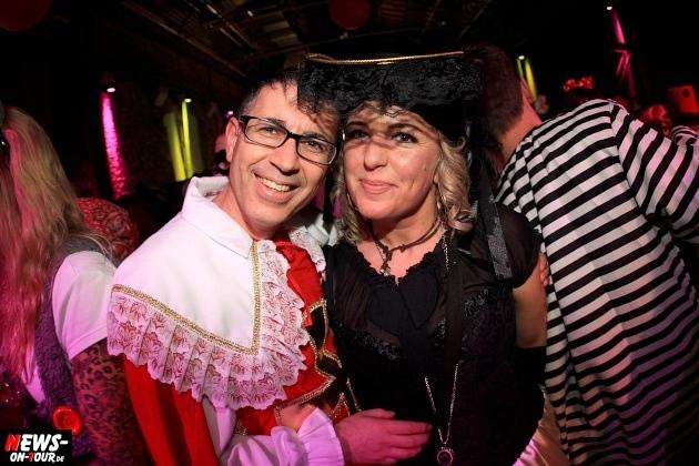 weiberfastnacht_2015_ntoi_halle32_34_karneval_oberberg