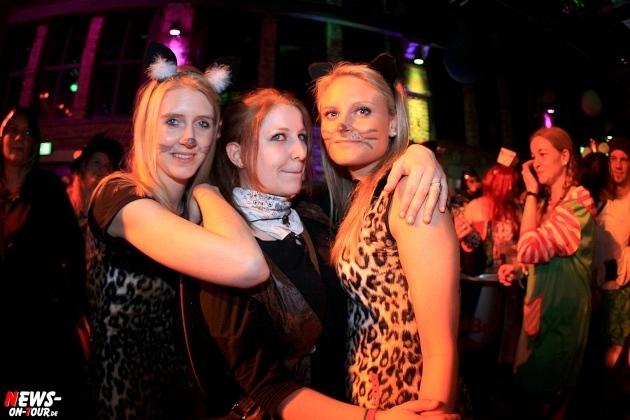 weiberfastnacht_2015_ntoi_halle32_53_karneval_oberberg