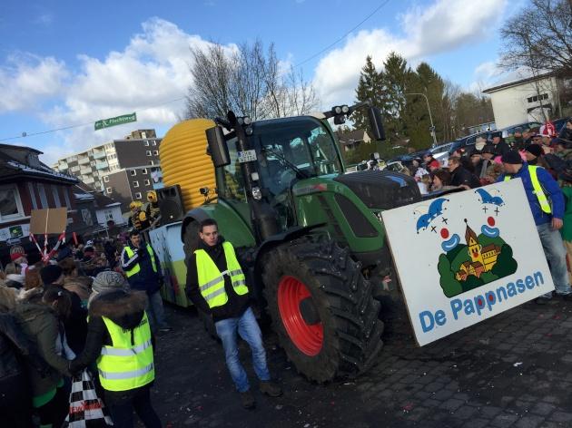 wkv_karneval_waldbroel_ntoi_karnevalszug_70.jpg