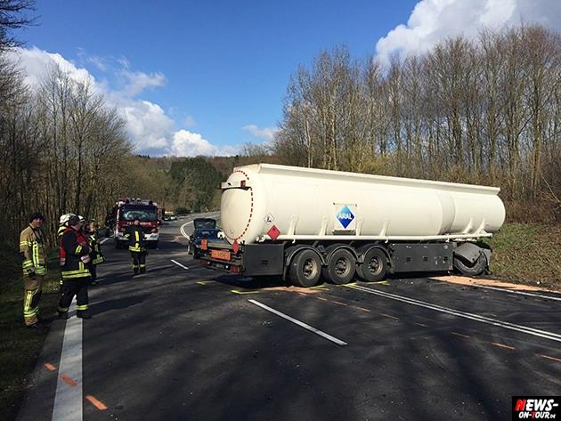 2015-03-30_reichshof-sengelbusch-tanklastzug_unfall_04