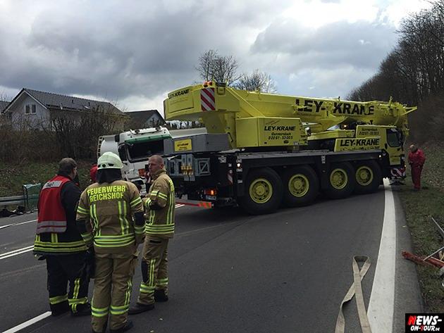 2015-03-30_reichshof-sengelbusch-tanklastzug_unfall_09