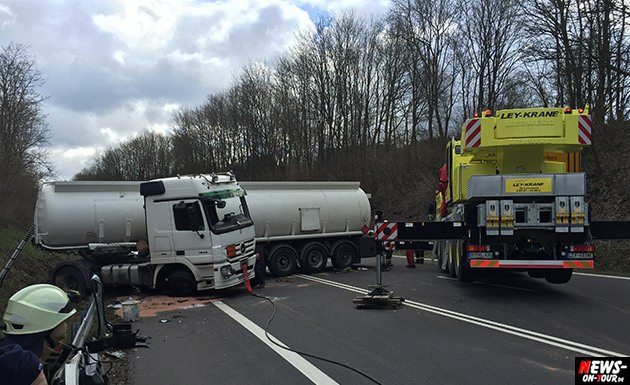 2015-03-30_reichshof-sengelbusch-tanklastzug_unfall_13