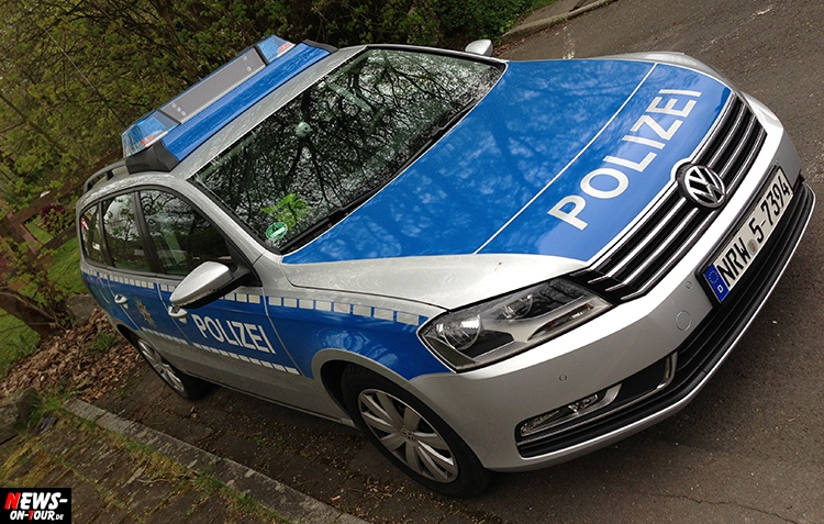 original polizeiauto mieten als neue abschreckvariante gegen einbrecher das polizeifahrzeug auf. Black Bedroom Furniture Sets. Home Design Ideas