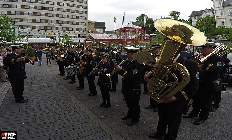schuetzenfest_03_bergneustadt_2015_ntoi_ein-abmarsch-der-kompanien