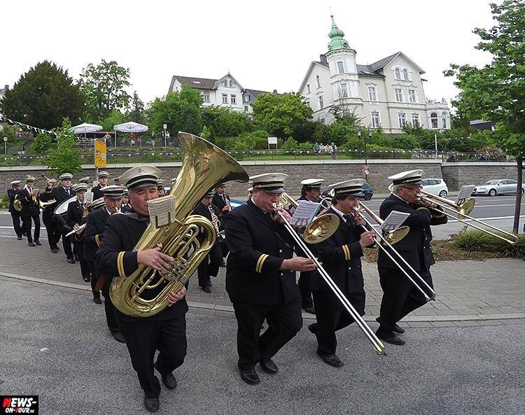 schuetzenfest_06_bergneustadt_2015_ntoi_ein-abmarsch-der-kompanien