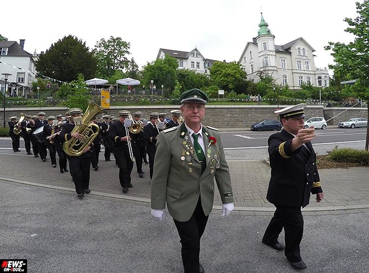 schuetzenfest_07_bergneustadt_2015_ntoi_ein-abmarsch-der-kompanien