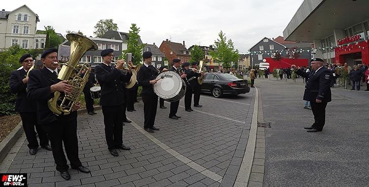 schuetzenfest_10_bergneustadt_2015_ntoi_ein-abmarsch-der-kompanien