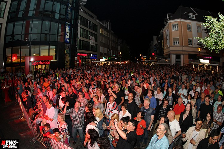 lindenplatz-open-air_2015_02_ntoi_magic-of-santana_2015_06-26