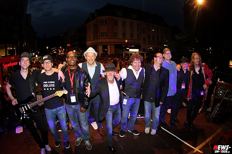 lindenplatz-open-air_2015_03_ntoi_magic-of-santana_2015_06-26