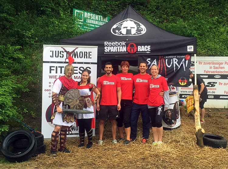 spartan-race_17_koeln_bielstein_wiehl_2015_just-more_samurai_team