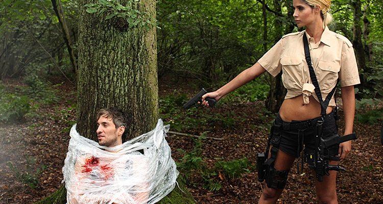 MICAELA SCHÄFER als kompromisslose Killerin in BREAKDOWN FOREST – Reise in den Abgrund! NEWS-on-Tour besuchte das Filmset