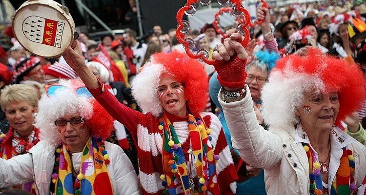 Köln: Sieben Sexualstraftaten! Eröffnung der Karnevalssession. Zwischenbilanz: 30 Platzverweise, 33 Menschen in Gewahrsam genommen, 70 Strafanzeigen