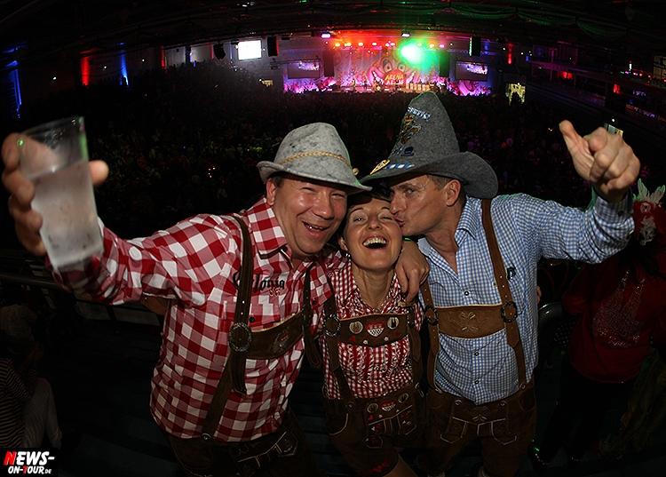 arena-alaaf_ntoi_08_gummersbach_schwalbe-arena_brings_karneval