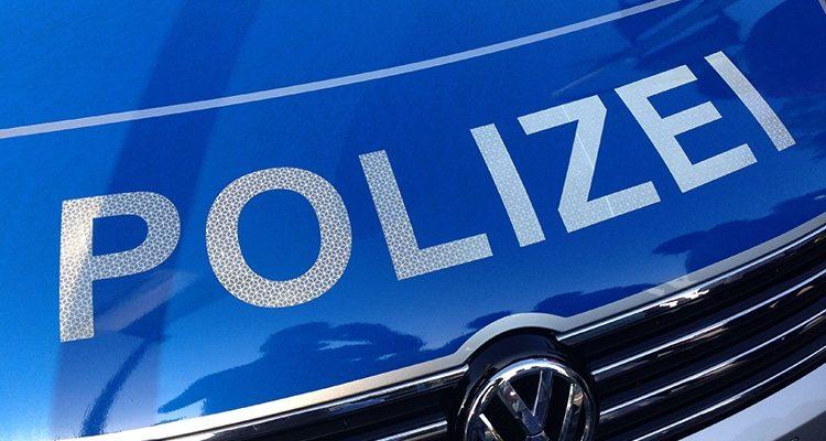 Reichshof: 0,8 Promille! Mit PKW in Polizeiwagen gerollt