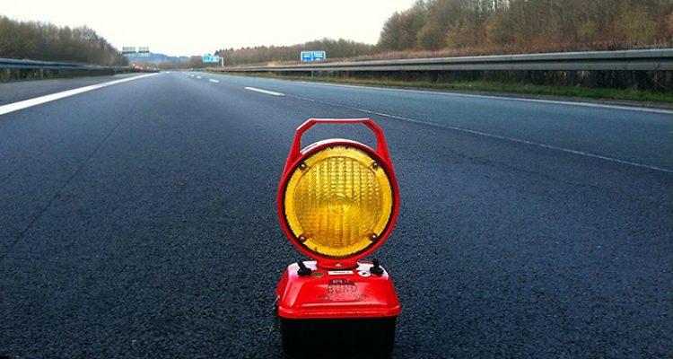 Zivilfahnder stoppen Autobahnraser. 115 km/h zu schnell