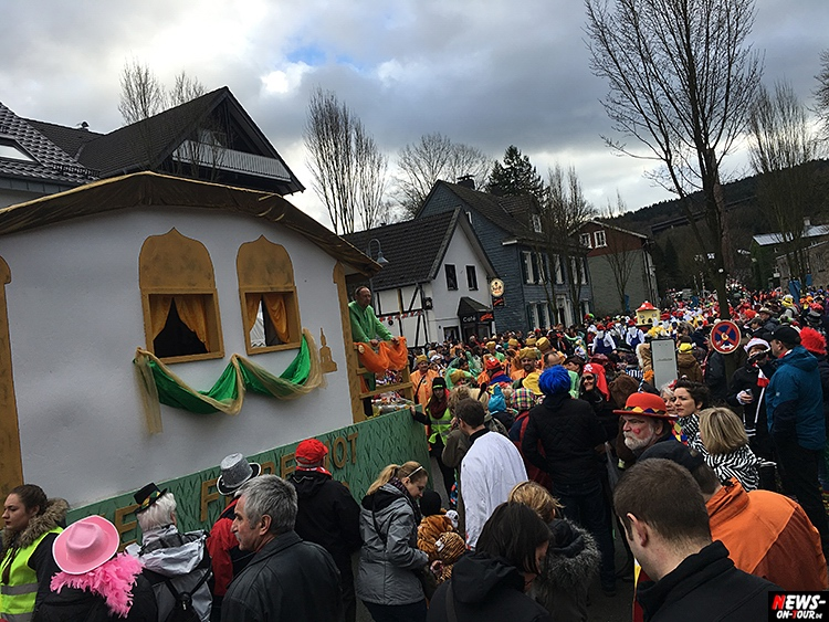 2016_02-08_ntoi_04_rosenmontagszug_engelskirchen_karneval